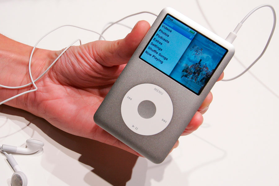 Why I Rushed Out To Buy An Apple iPod Classic: Soon It'll Be Too Late