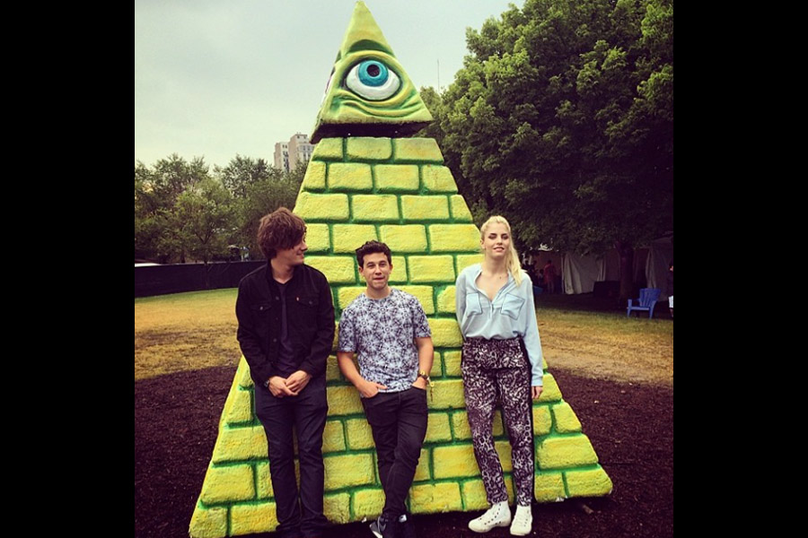 London Grammar Deny Being Members Of The Illuminati Nme