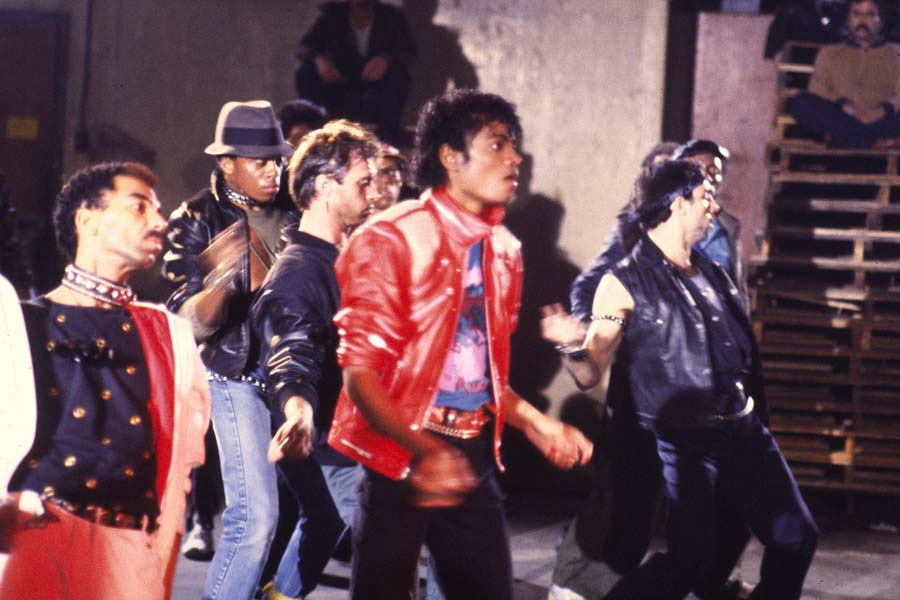 song analysis micheal jackson beat it In the song 'beat it' by michael jackson the instruments used were guitar, bass guitar, drums, piano and keyboard 'beat it' was one of the hit singles on the album.