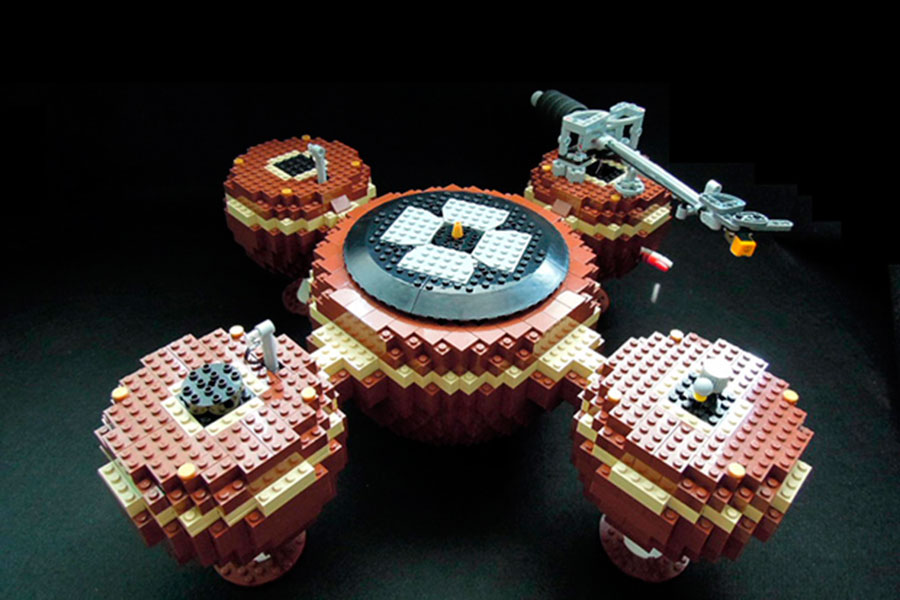 Someone In Korea Built A Working Turntable Out Of Lego And It's Brilliant