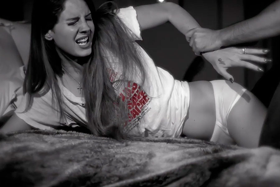 image Screaming white wife never knew sex before black bull039s massive cock
