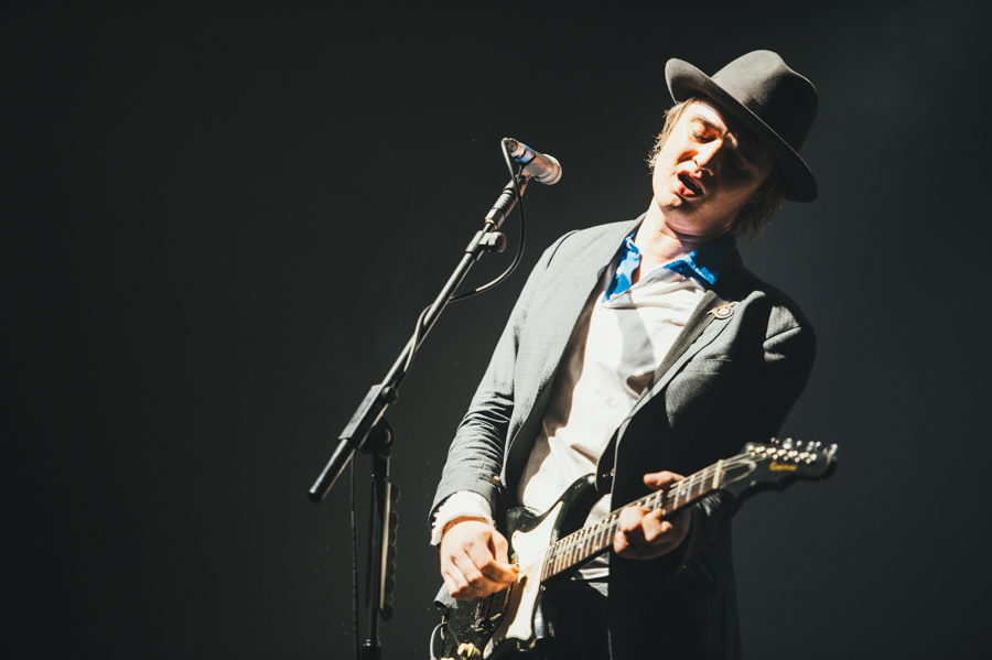 Pete Doherty leaves rehab after completing treatment in Thailand