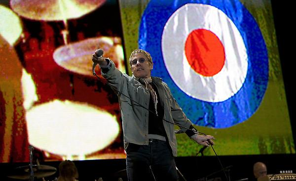 e5e413d3836d38 Fans react to The Who headlining Glastonbury Festival 2015 - NME