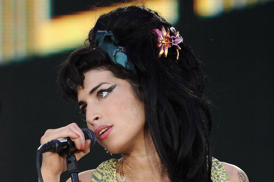 Amy Winehouse Talks Depression In Amy Documentary Film Clip