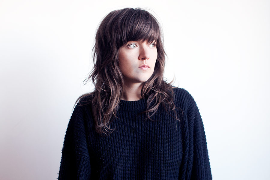 https://ksassets.timeincuk.net/wp/uploads/sites/55/2015/07/2015CourtneyBarnett_Press_250315.jpg