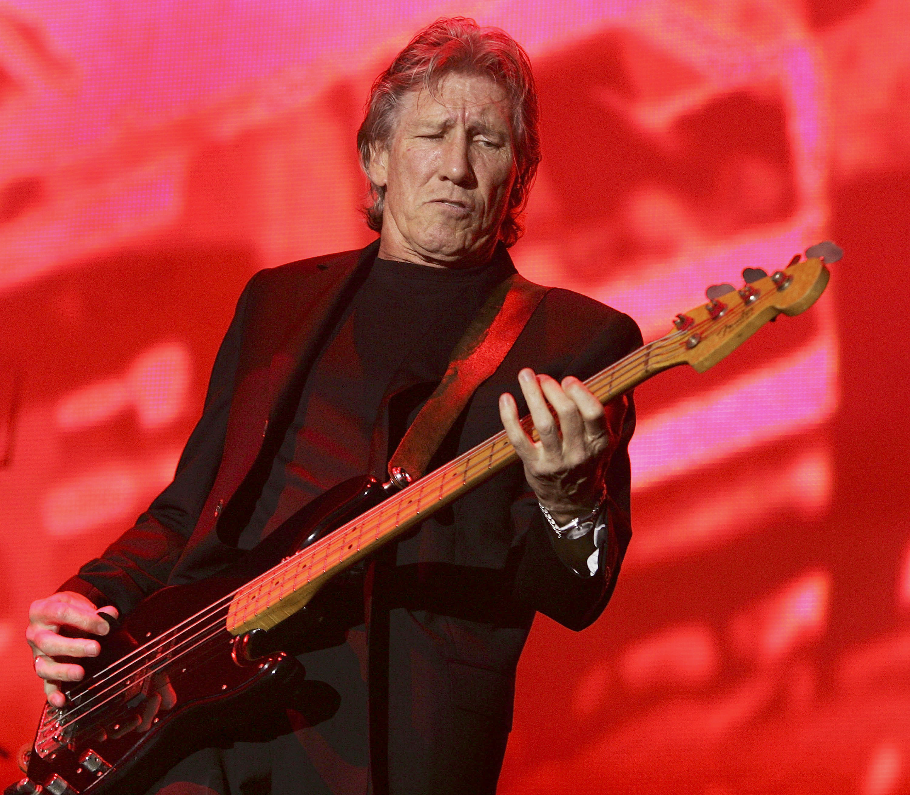 roger waters says he 39 ll release first new solo album for 24 years in 2016 nme. Black Bedroom Furniture Sets. Home Design Ideas