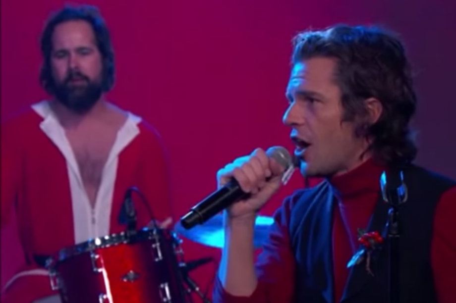 The Killers perform Christmas songs with Jimmy Kimmel dressed as ...