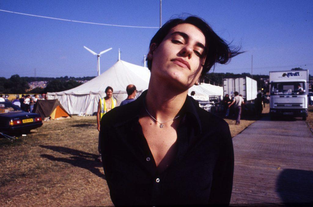 Justine Frischmann , lead singer of Elastica, Glastonbury Festival , United Kingdom, 1998. (Photo by Martyn Goodacre/Getty Images)
