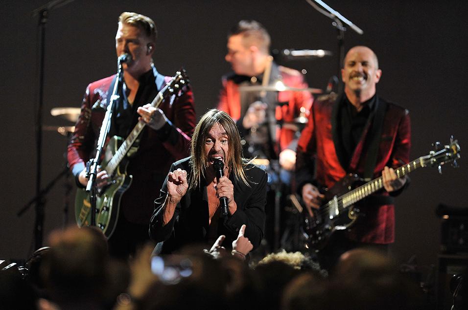 Вышел концертный альбом Post Pop Depression: Live At The Royal Albert Hall Live