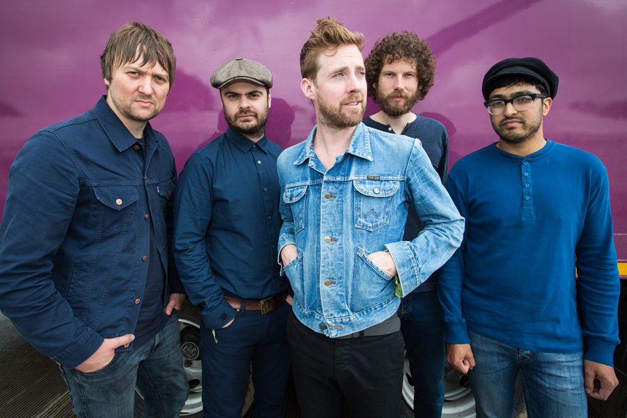 Kaiser Chiefs You Don T Want To Be Dinosaurs With Guitars