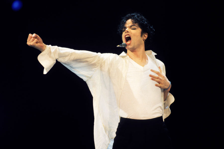 Law firm sues Michael Jackson's estate for $200,000