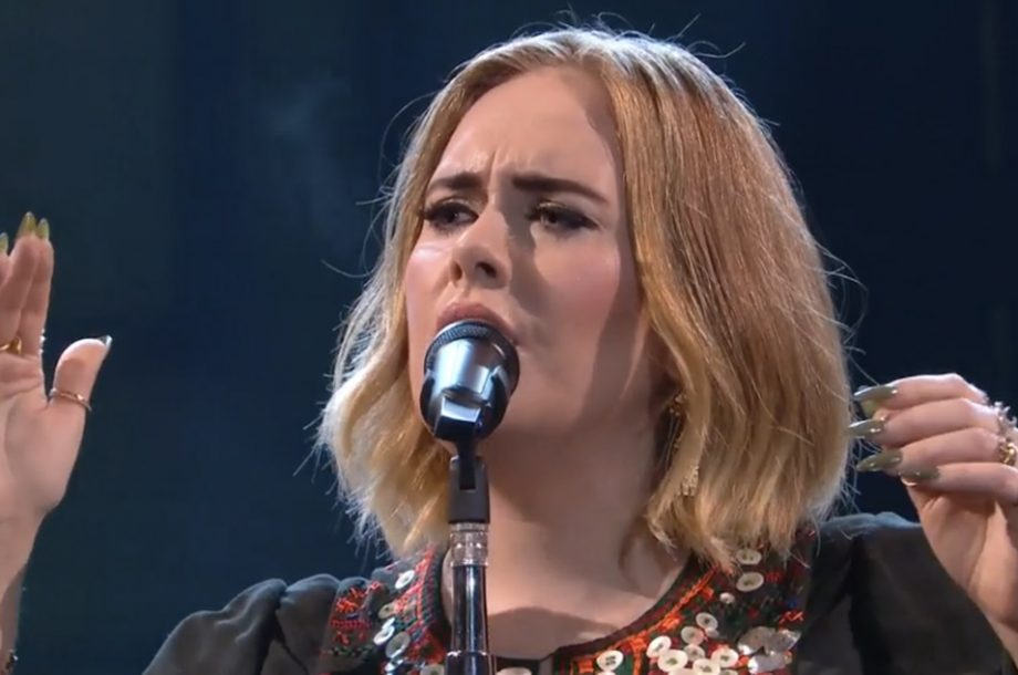 Watch Adele pay tribute to Amy Winehouse with Bob Dylan cover