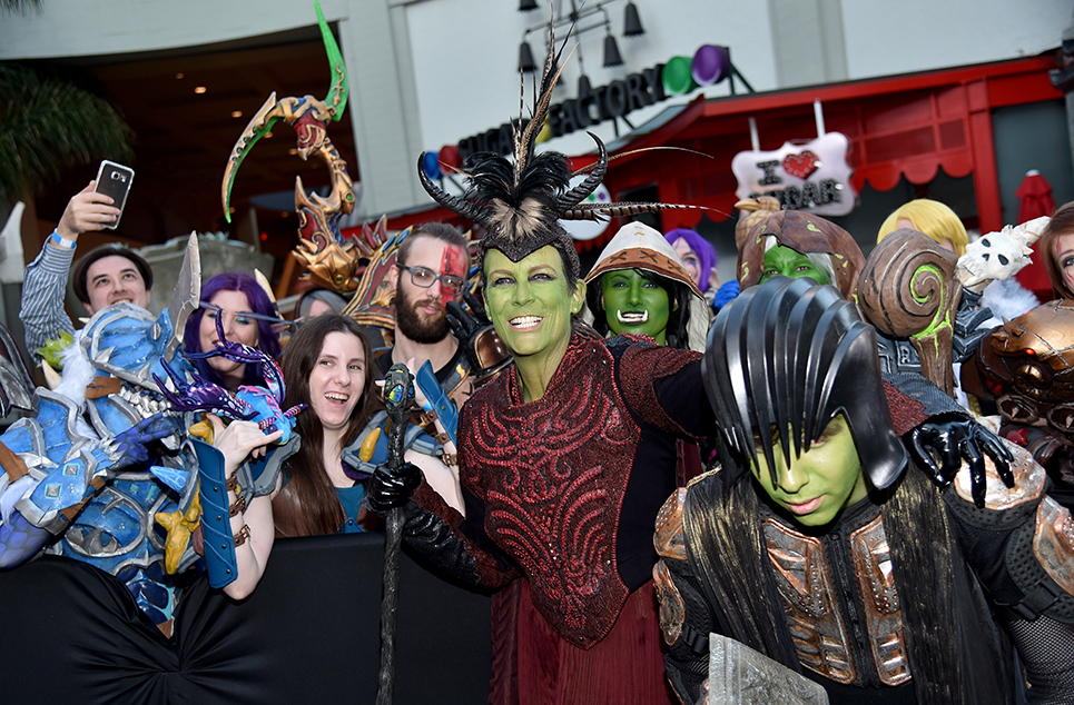 Jamie Lee Curtis Went To The Warcraft Premiere As An Orc