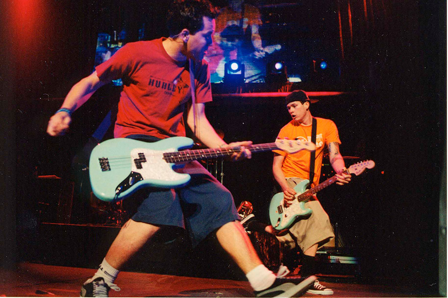 Tom Delonge Says Blink 182 Havent Talked In Months Nme