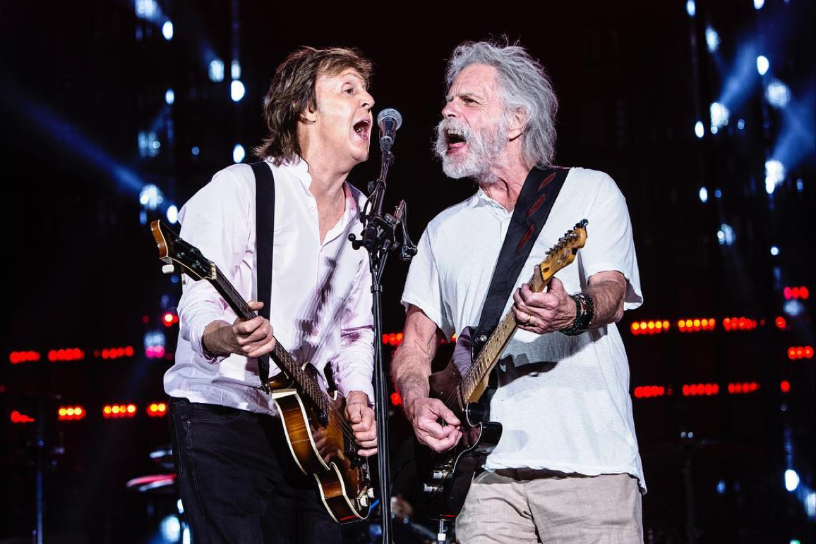 watch paul mccartney and the grateful dead 39 s bob weir perform together live. Black Bedroom Furniture Sets. Home Design Ideas