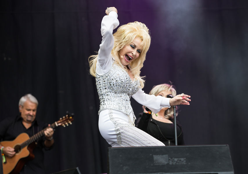 Dolly Parton Gives Away Her Glastonbury Show With New Album