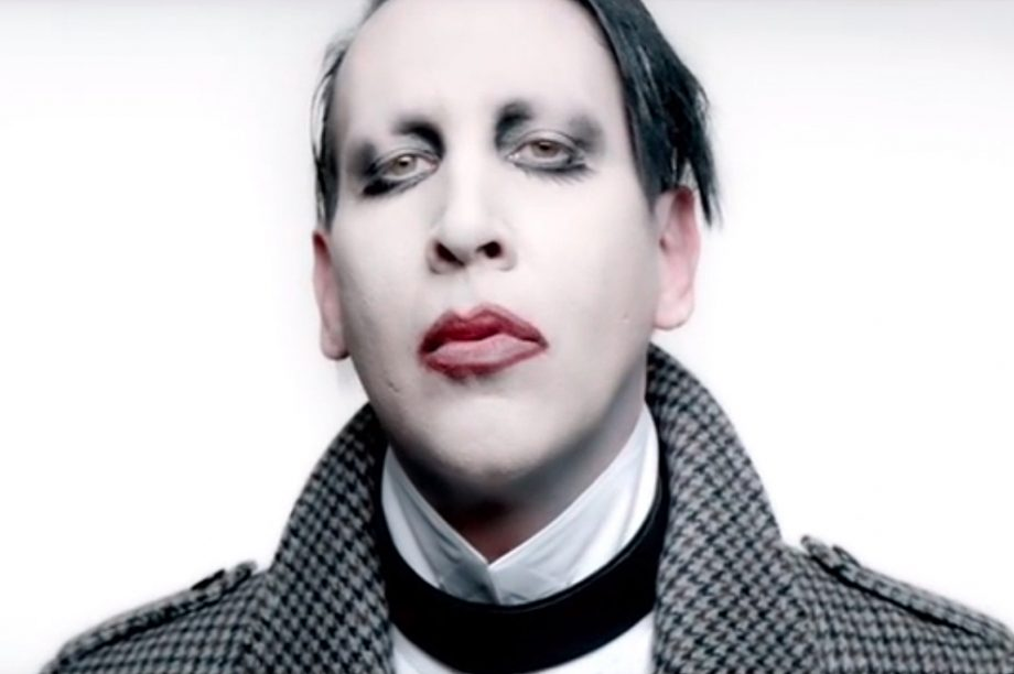 Johnny Depp Joins Marilyn Manson On Stage For The Beautiful People