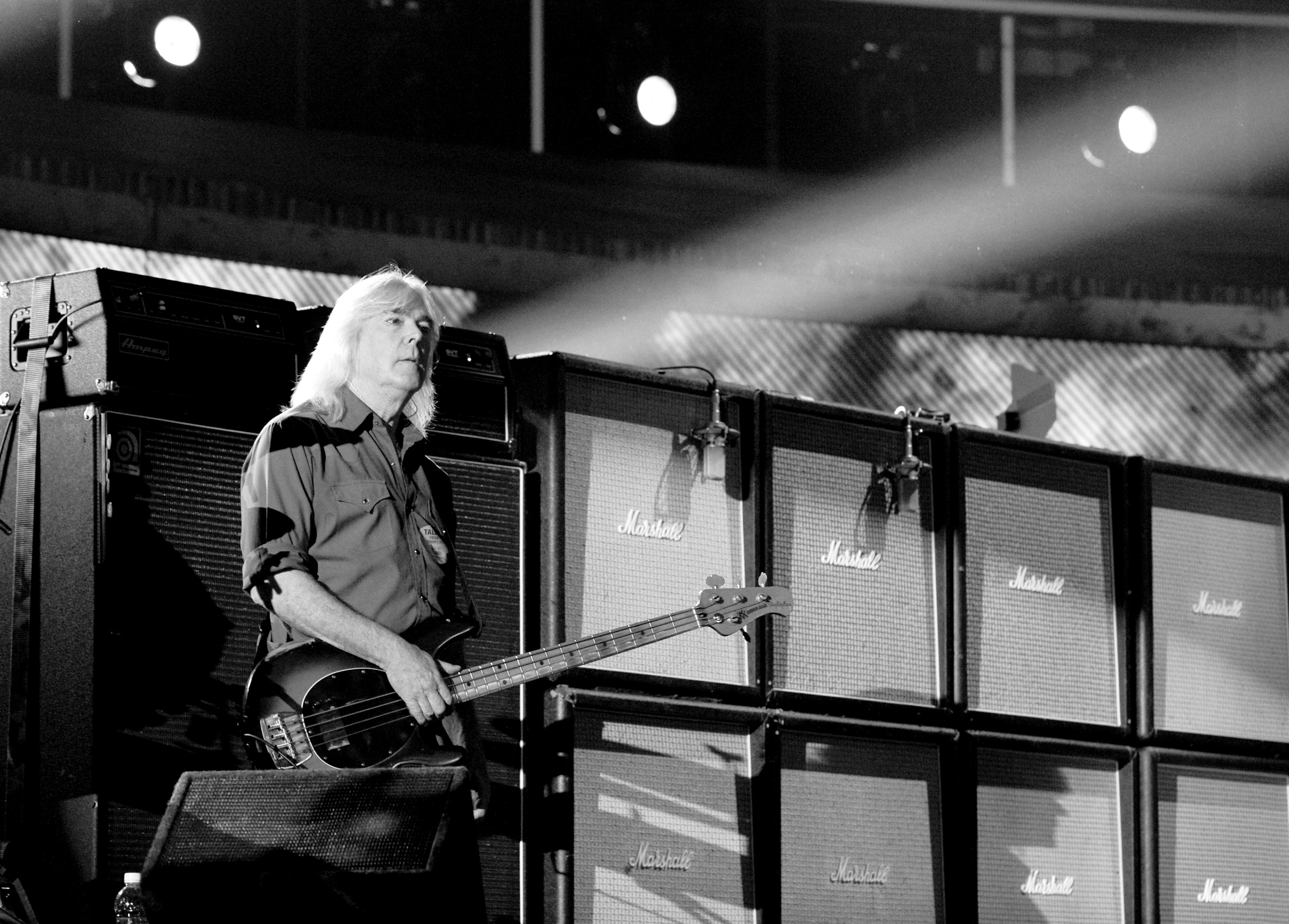 Watch AC/DC salute retiring bassist Cliff Williams at final \'Rock Or ...