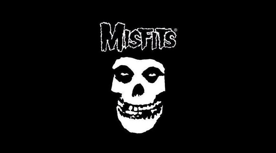 Former Misfits Frontman Danzig Dons Band S Skull Make Up