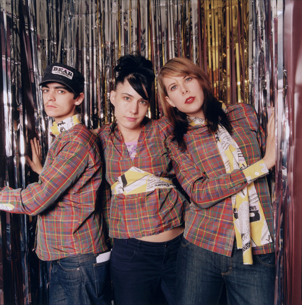 from Boston le tigre kathleen hanna is gay