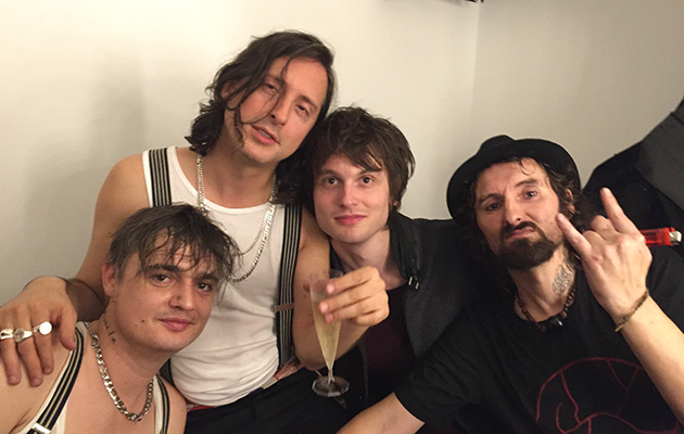 Original Kauf Preis bleibt stabil größte Auswahl an Pete Doherty At The Bataclan: The Story Of His Moving And ...