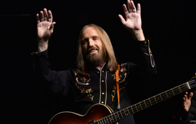 tom petty and the heartbreakers to embark on 40th anniversary north america tour in 2017 nme. Black Bedroom Furniture Sets. Home Design Ideas