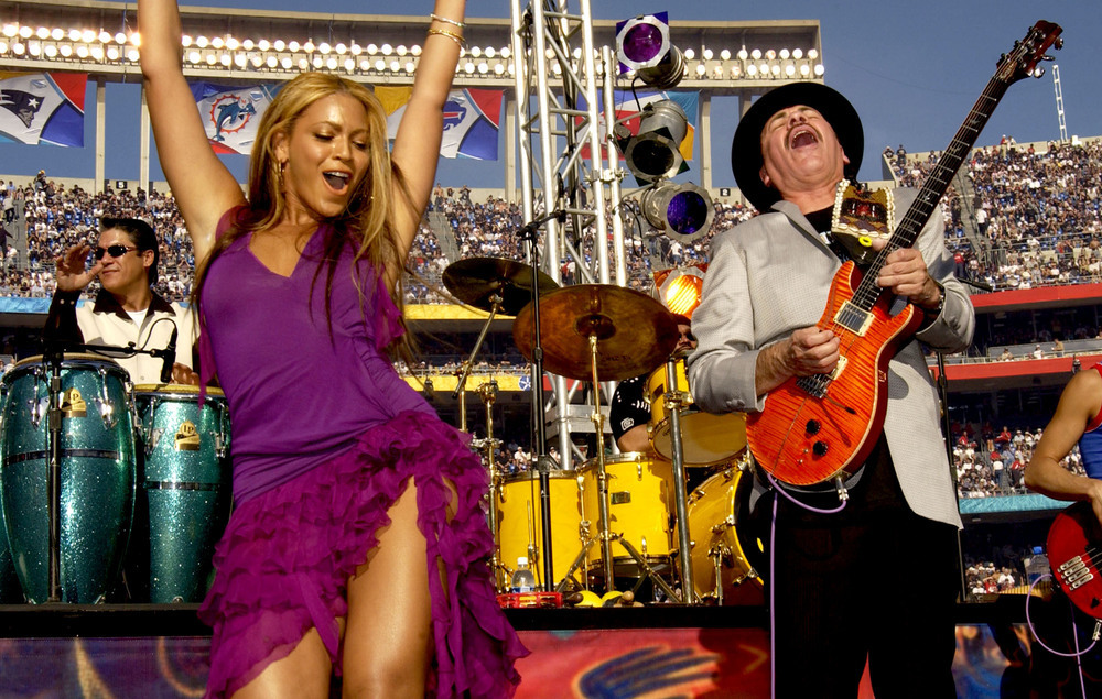 Carlos Santana Says He Respects Beyonc 233 After Calling Her