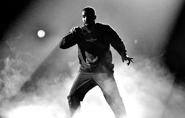 86f47646b937 Drake offers to refund 20,000 fans after Travis Scott falls off stage in  London