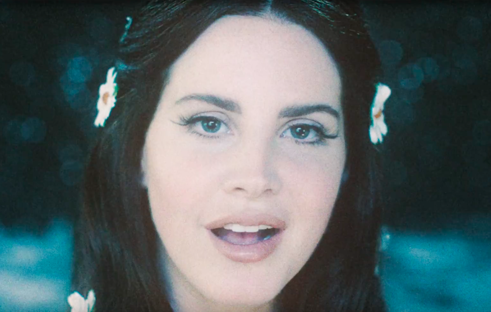 Watch Lana Del Rey Perform From Space In Love Video Nme