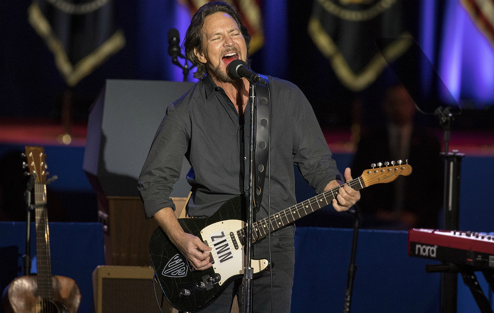 pearl jam 39 s eddie vedder announces uk and ireland solo tour nme. Black Bedroom Furniture Sets. Home Design Ideas