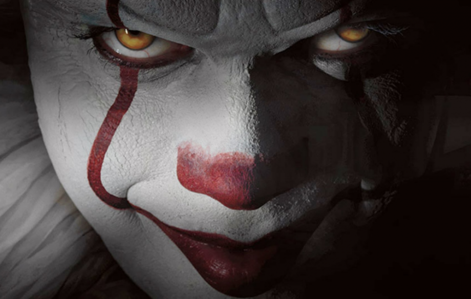 new stephen king s it pictures released as director teases trailer