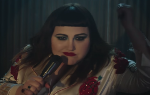 watch beth ditto 39 s 39 fire 39 video turn into a bar brawl 15 minute news. Black Bedroom Furniture Sets. Home Design Ideas