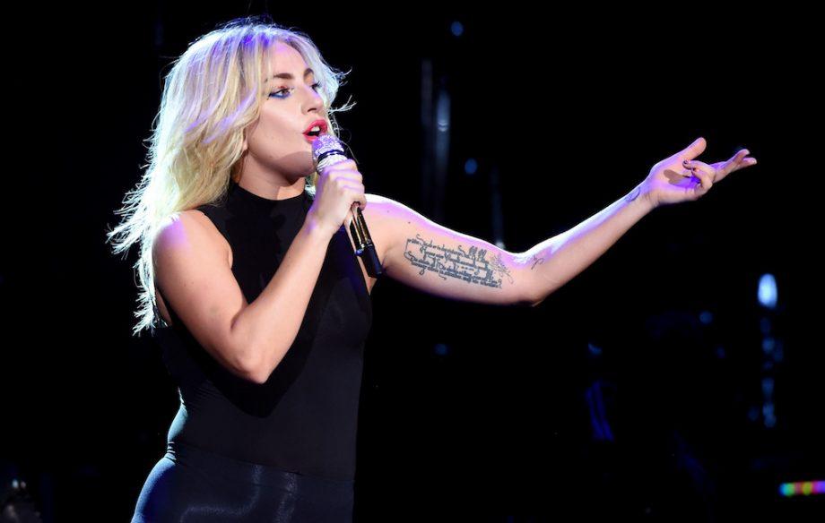 Gambar terkait dari Lagu Lady Gaga - The Cure Mp3