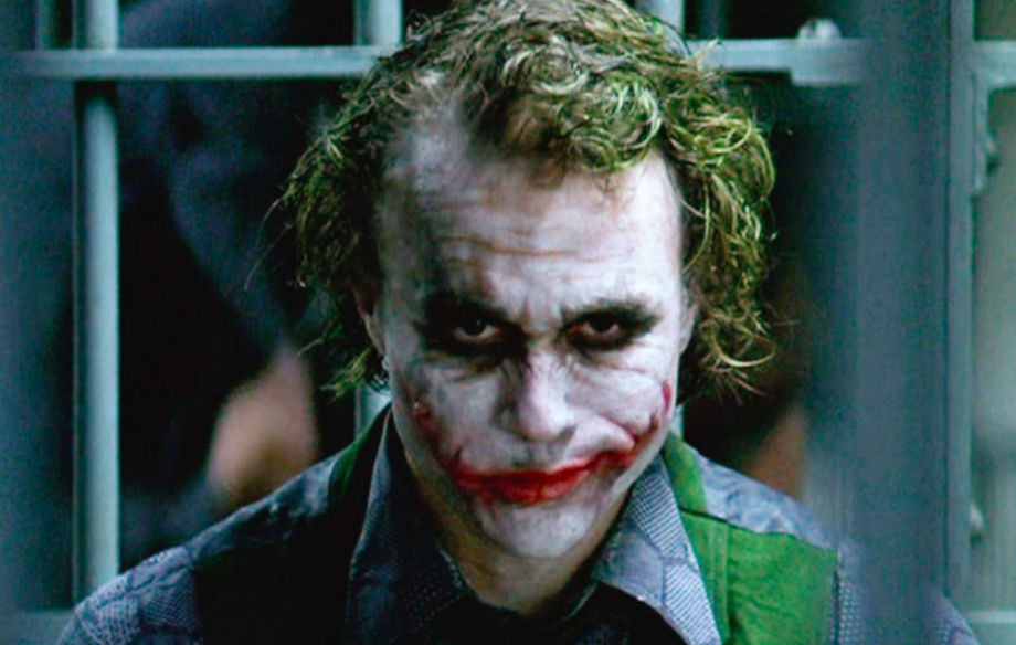 The internet has been obsessing over this hilarious blooper that made it into 'The Dark Knight'