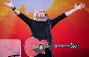 Barry Gibb at Glasto