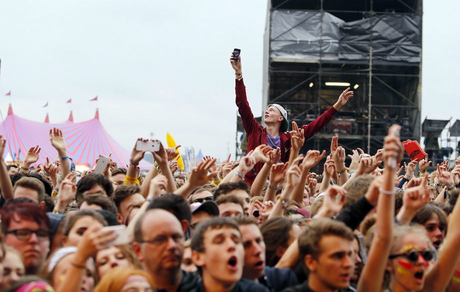 "Boy aged 17 dies at Reading Festival in ""unexplained"" circumstances"