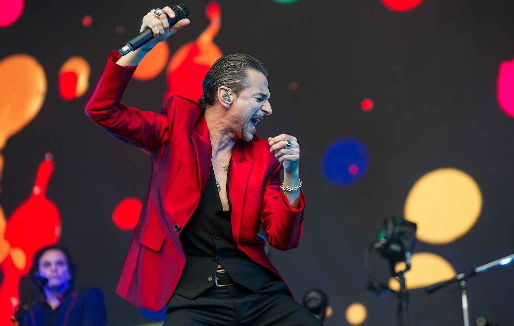 Depeche mode announce 2017 uk and ireland tour nme - Depeche mode in your room live 2017 ...