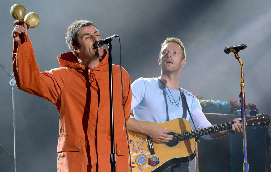 http://ksassets.timeincuk.net/wp/uploads/sites/55/2017/06/Liam-Gallagher-Chris-Martin-920x584.jpg