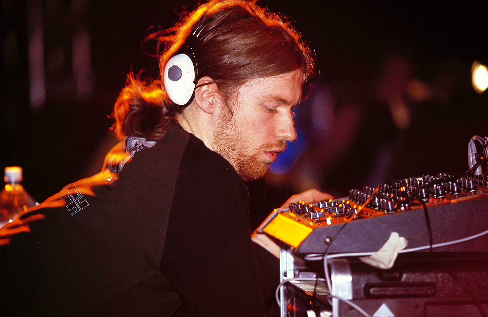 Aphex Twin Begins Mysterious Month Long Countdown Nme