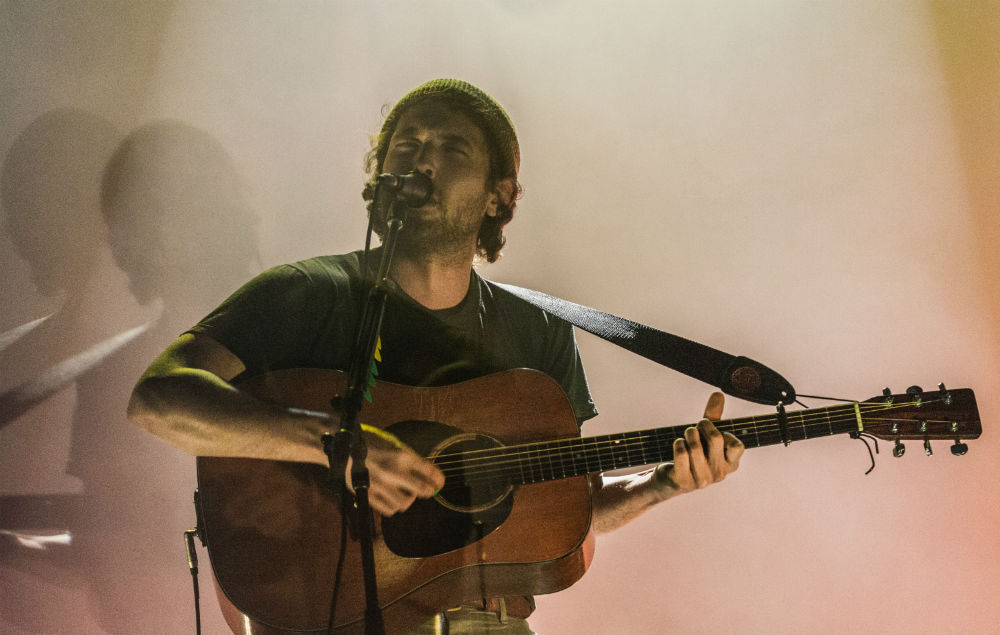 Watch Fleet Foxes Cover Phish S Bouncing Around The Room
