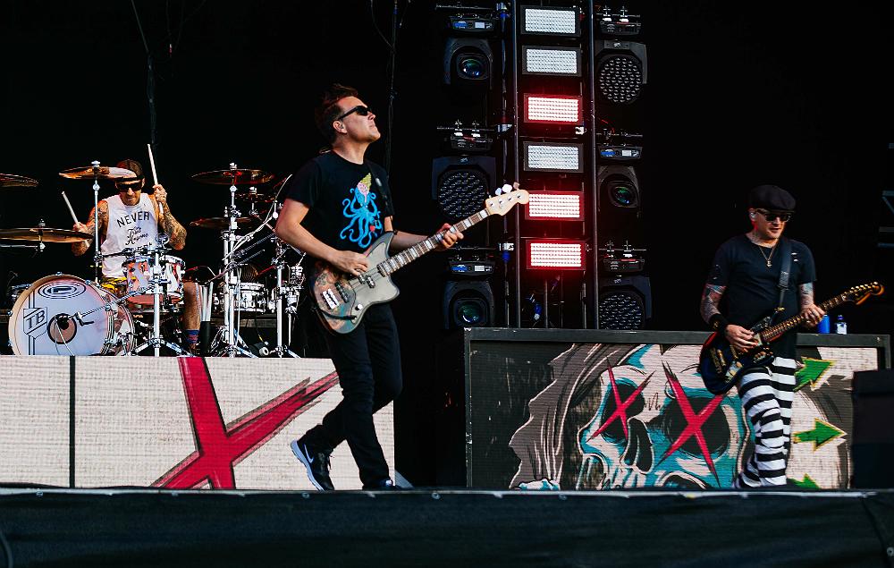 Blink 182 album release date