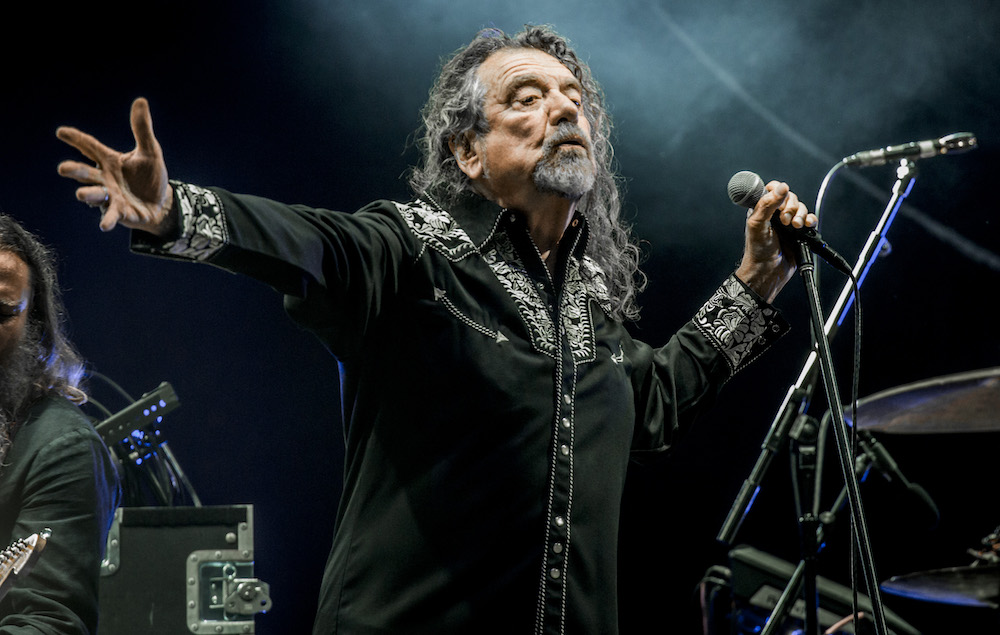 Robert Plant talks acc...