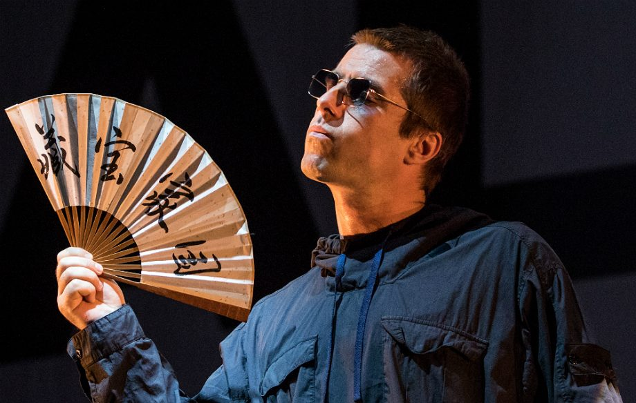 Liam Gallagher Honours The Real People Takes On The Las