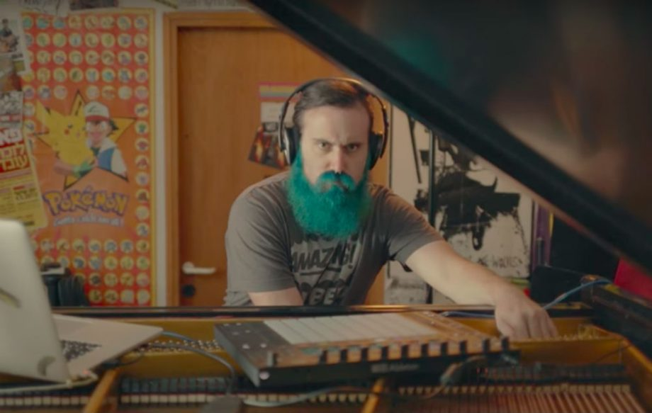 Watch this Russian guy hack his grand piano to play a Metallica guitar solo