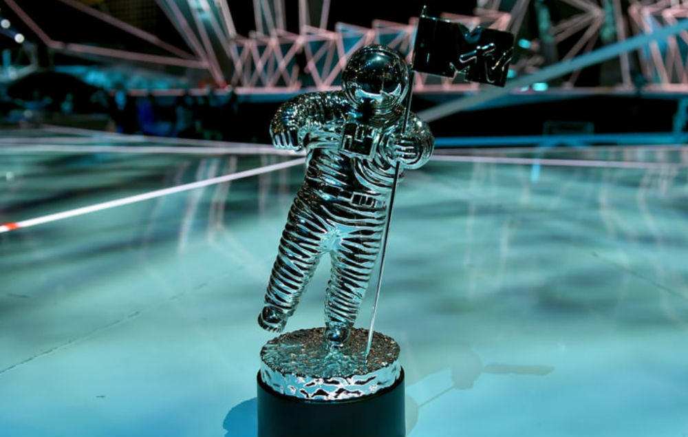 MTV VMA transgender military