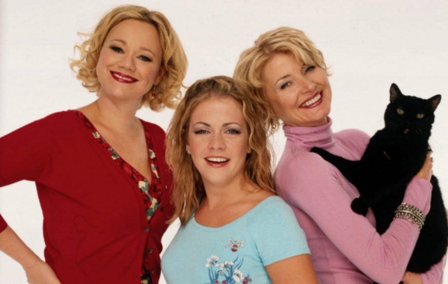 It looks like 'Sabrina the Teenage Witch' is coming back - NME Sabrina The Teenage Witch