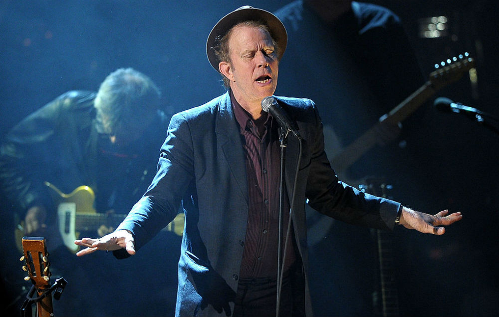 Tom Waits Performs For The First Time In Two Years Joins