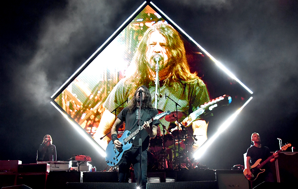 Foo Fighters Announce Massive 2018 Uk Shows Nme