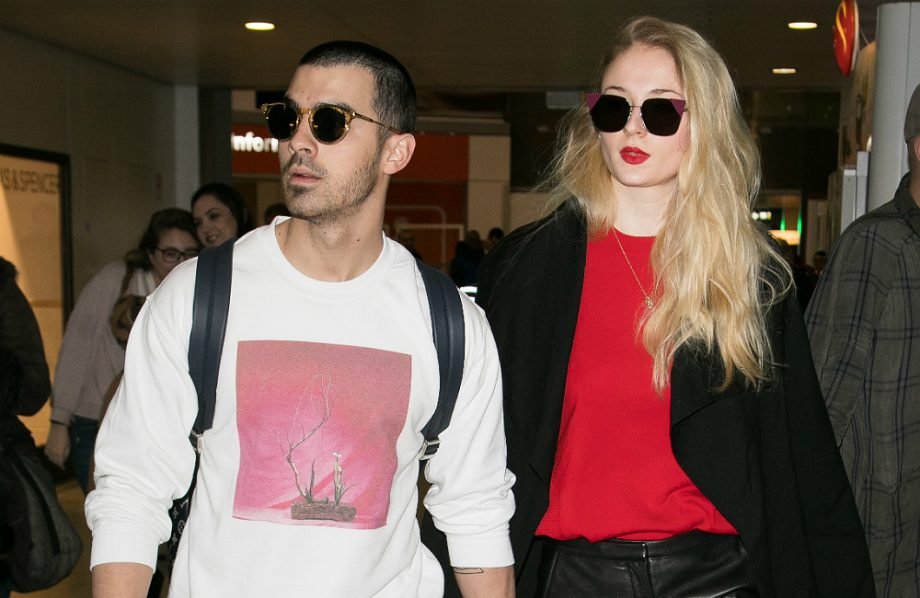 joe jonas dating history 2017 Joe jonas and sophie turner started dating each other in late 2016 source: us weekly in november, they made their relationship public after they were seen together at a concert in rotterdam in august.