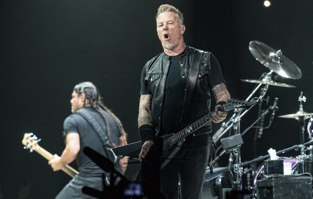 why you should definitely be seeing metallica on their worldwired tour. Black Bedroom Furniture Sets. Home Design Ideas
